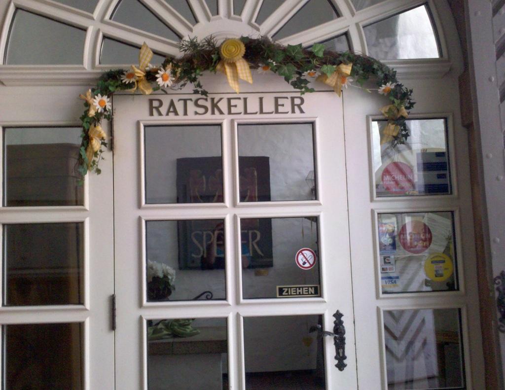 http://julia-und-steven.de/images/ratskeller.jpg